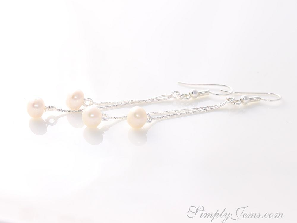 Handmade silver chain and pearl earrings